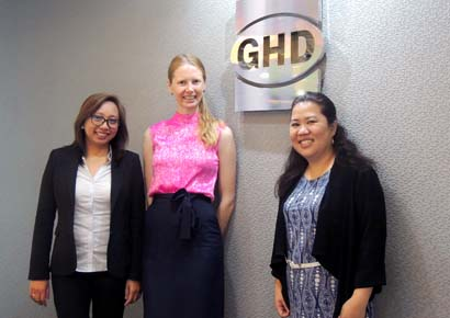 Alli Devlin (centre) with Mylene Palaypayon-Ana, GHD's Environment Market Leader for the Philippines, and Pia Madid, GHD's Service Group Manager – Environment.